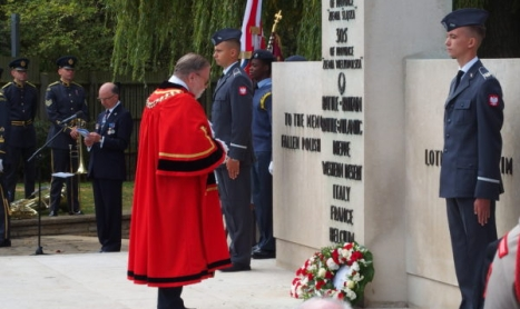 69. rocznica Battle of Britain pod polskim pomnikiem w Northolt